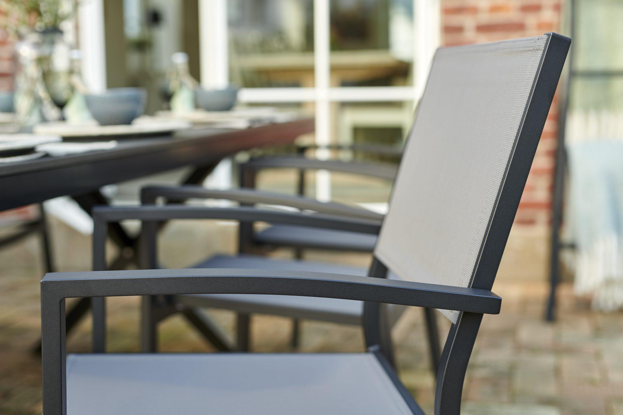 Leone kėdė su porankiais Brafab bjarnumbaldai