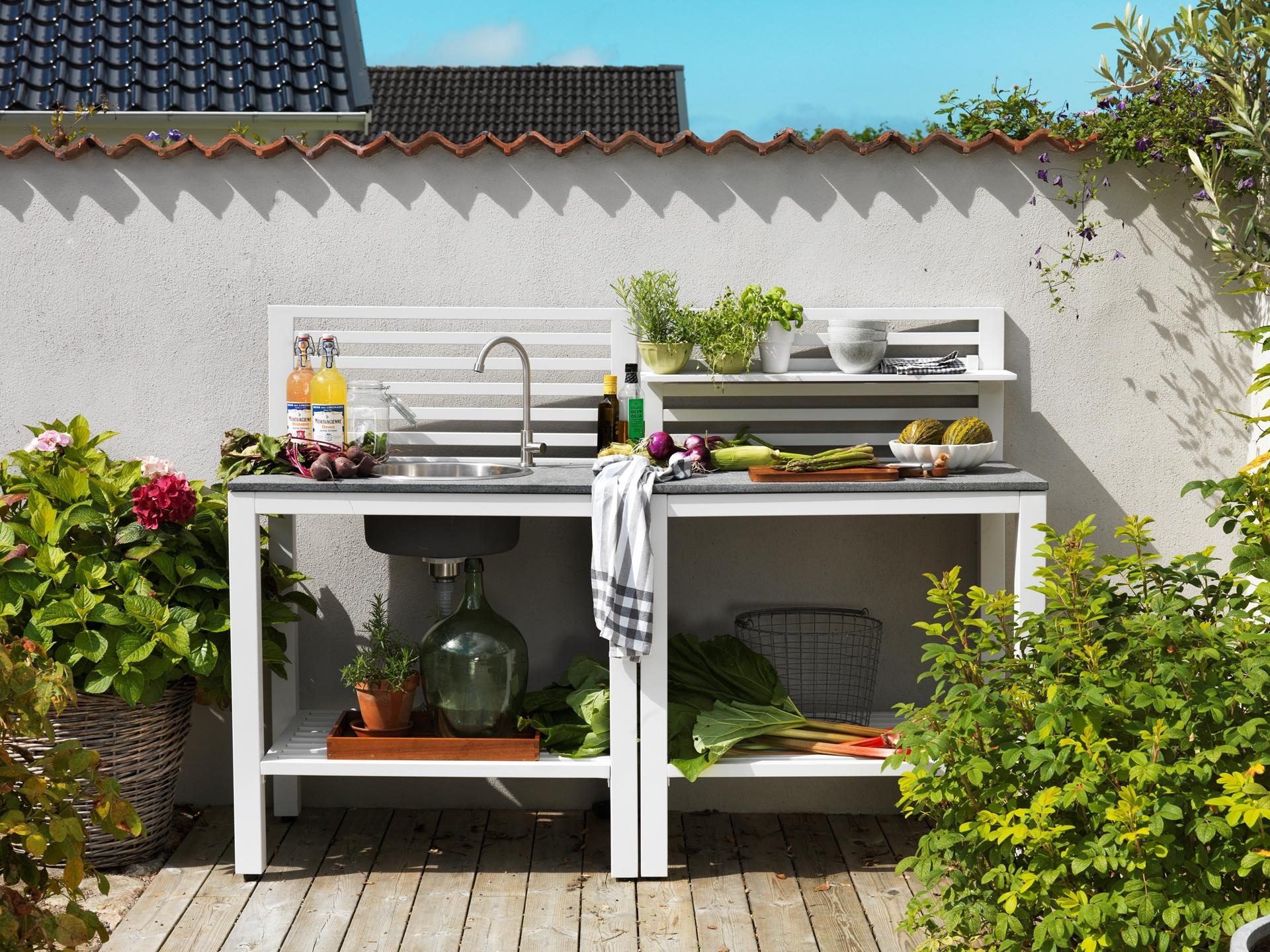 Lauko virtuvė Bellac su kriaukle