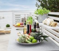 Bellac lauko virtuve su lentynele Brafab bjarnumbaldai