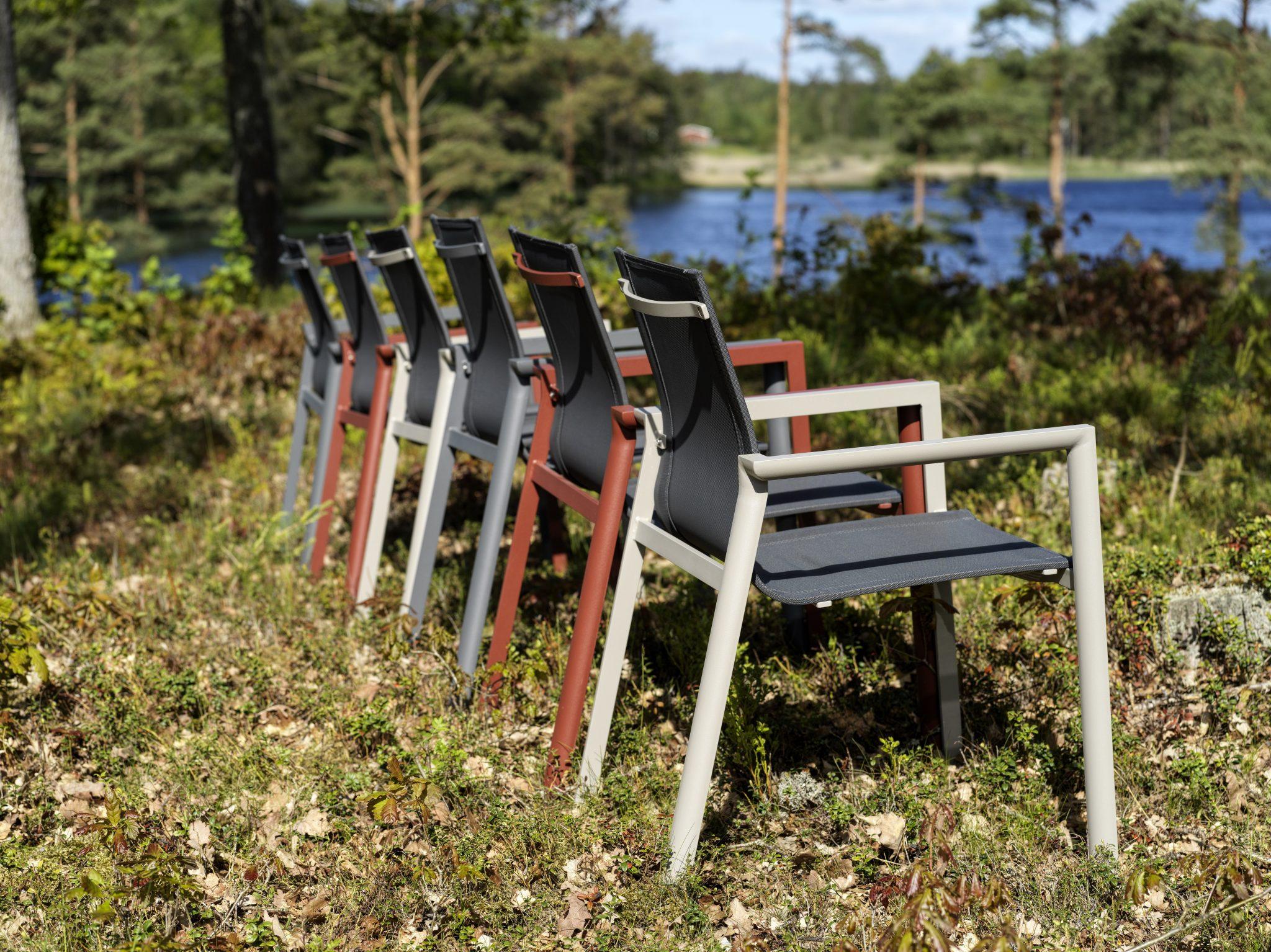 Lauko kėdė Delia su porankiais Brafab bjarnumbaldai